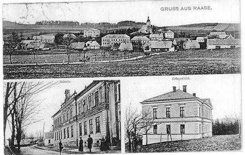 Střed obce, škola, zámeček