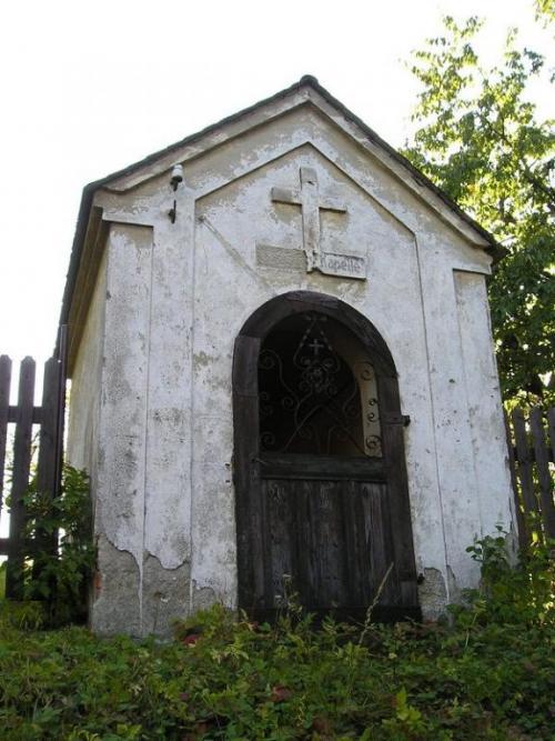 kaplička vdolní části obce